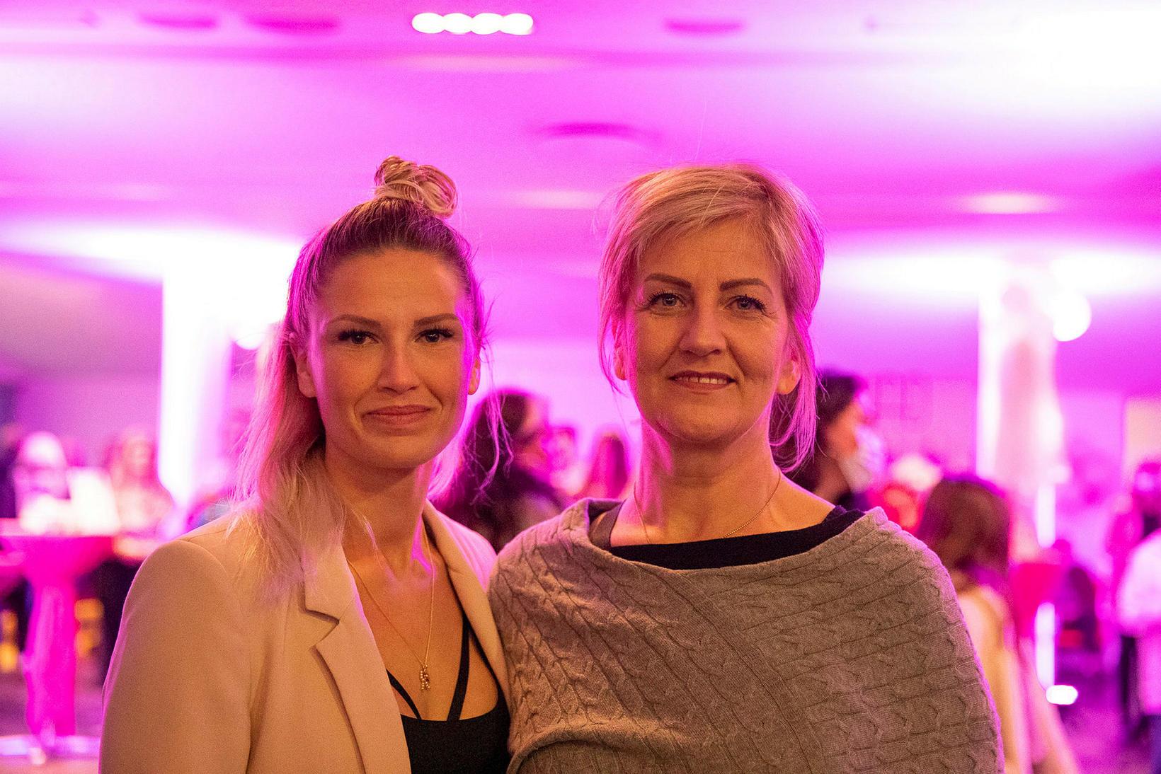 Martha og Aníta Björg.