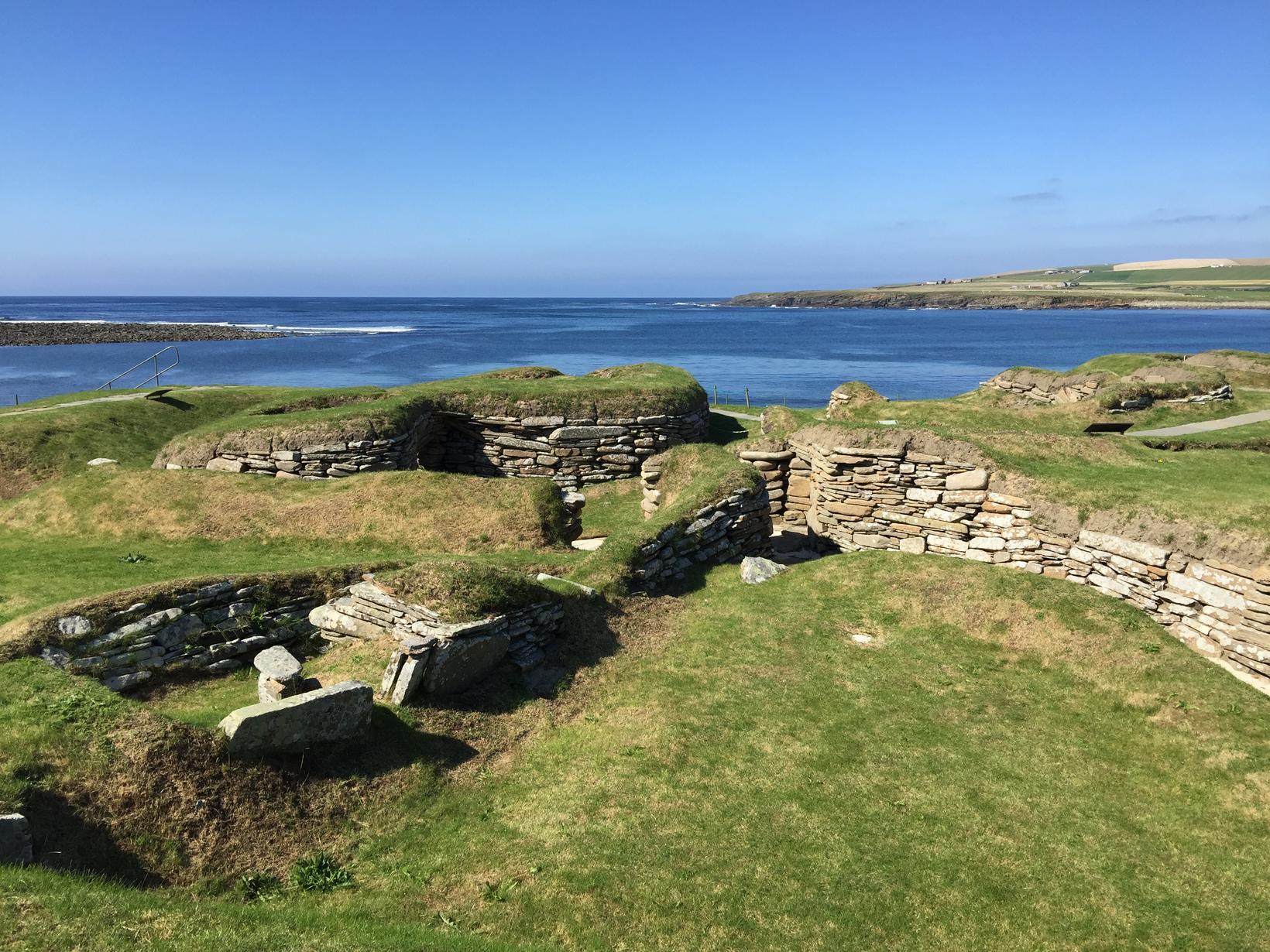 Skara Brae steinaldarþorpið í Orkneyjum.