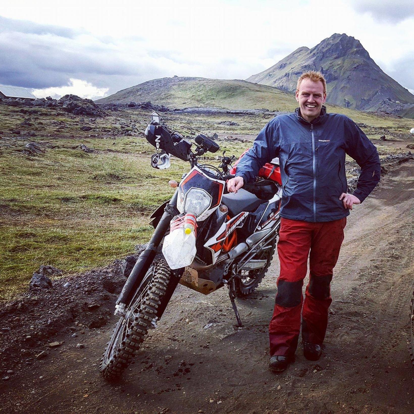 Skúli býður upp á mótorhjólaferðir upp á hálendi.