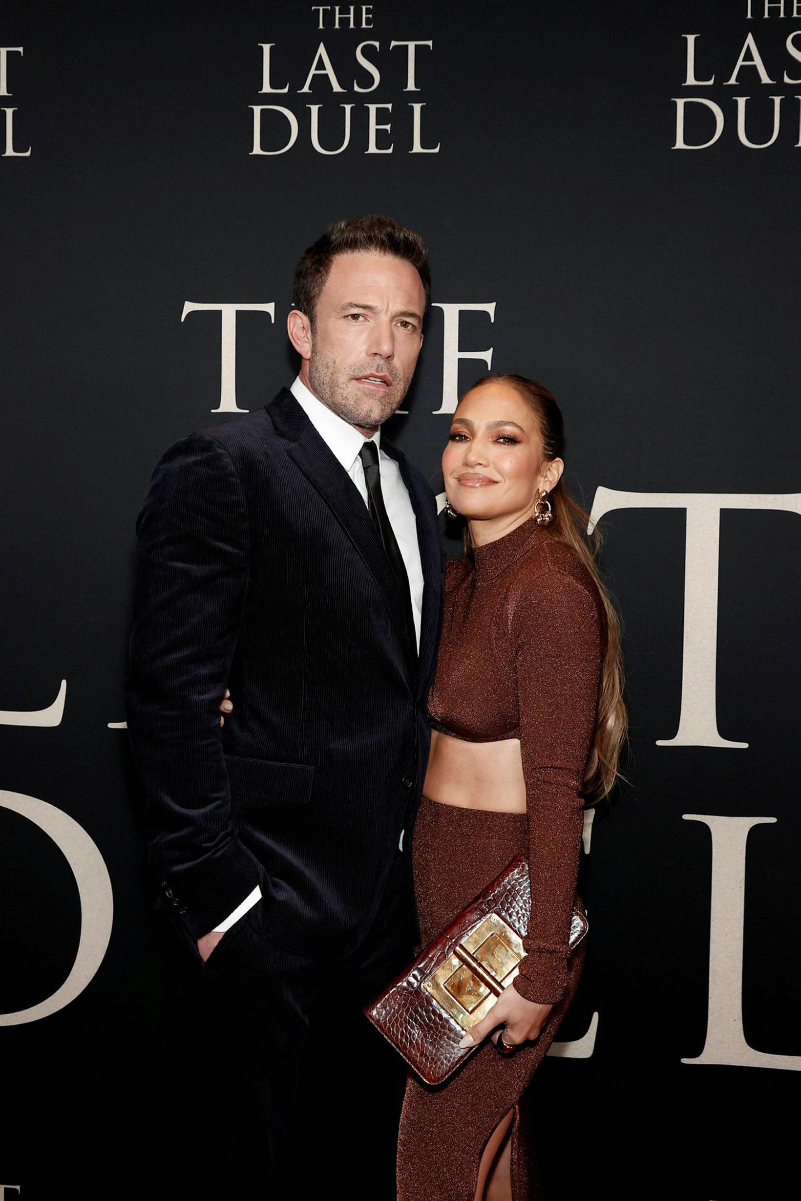 Ben Affleck og Jennifer Lopez voru ástfangin á rauða dreglinum.