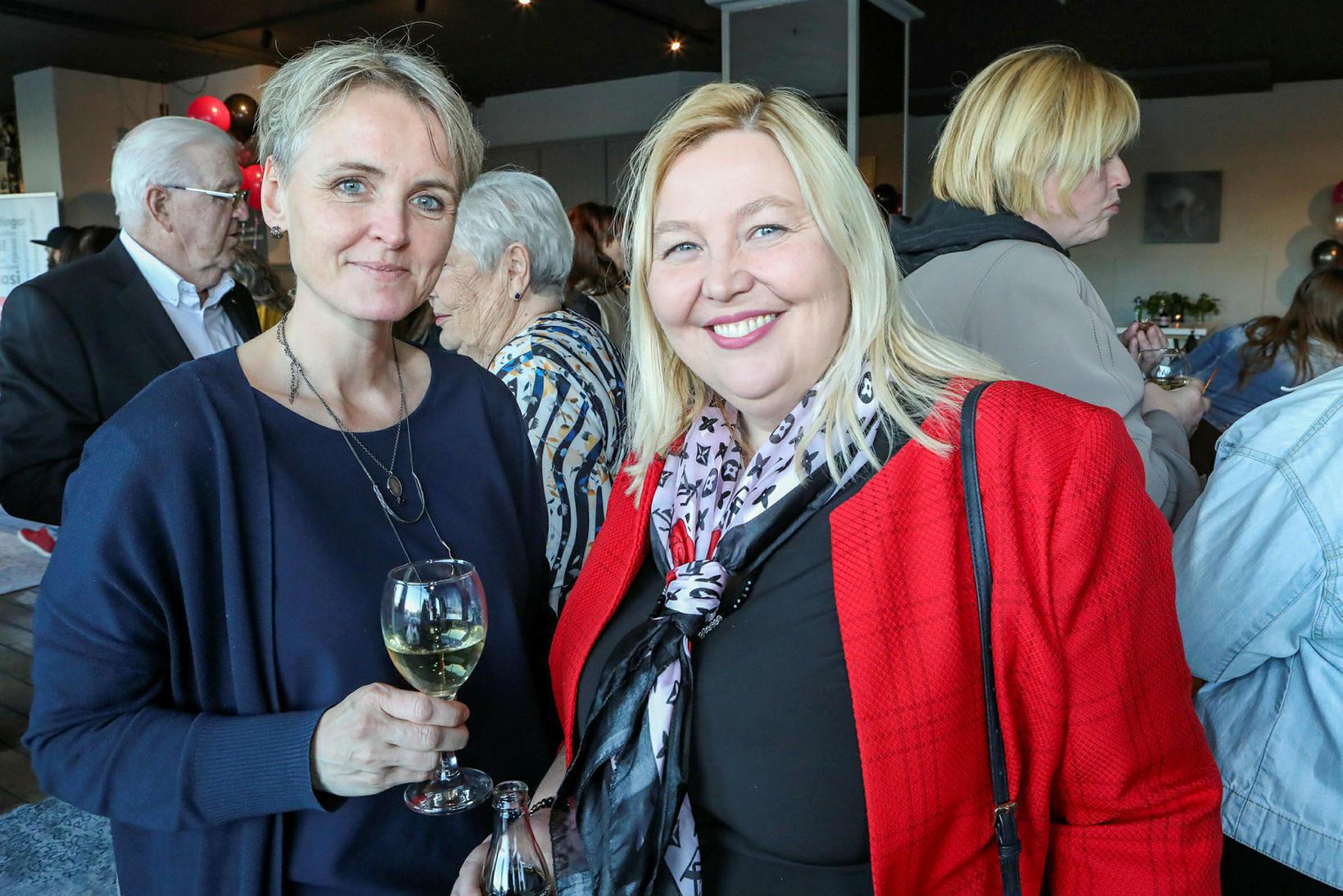 Selma Kristjánsdóttir og Helga Magnúsdóttir.
