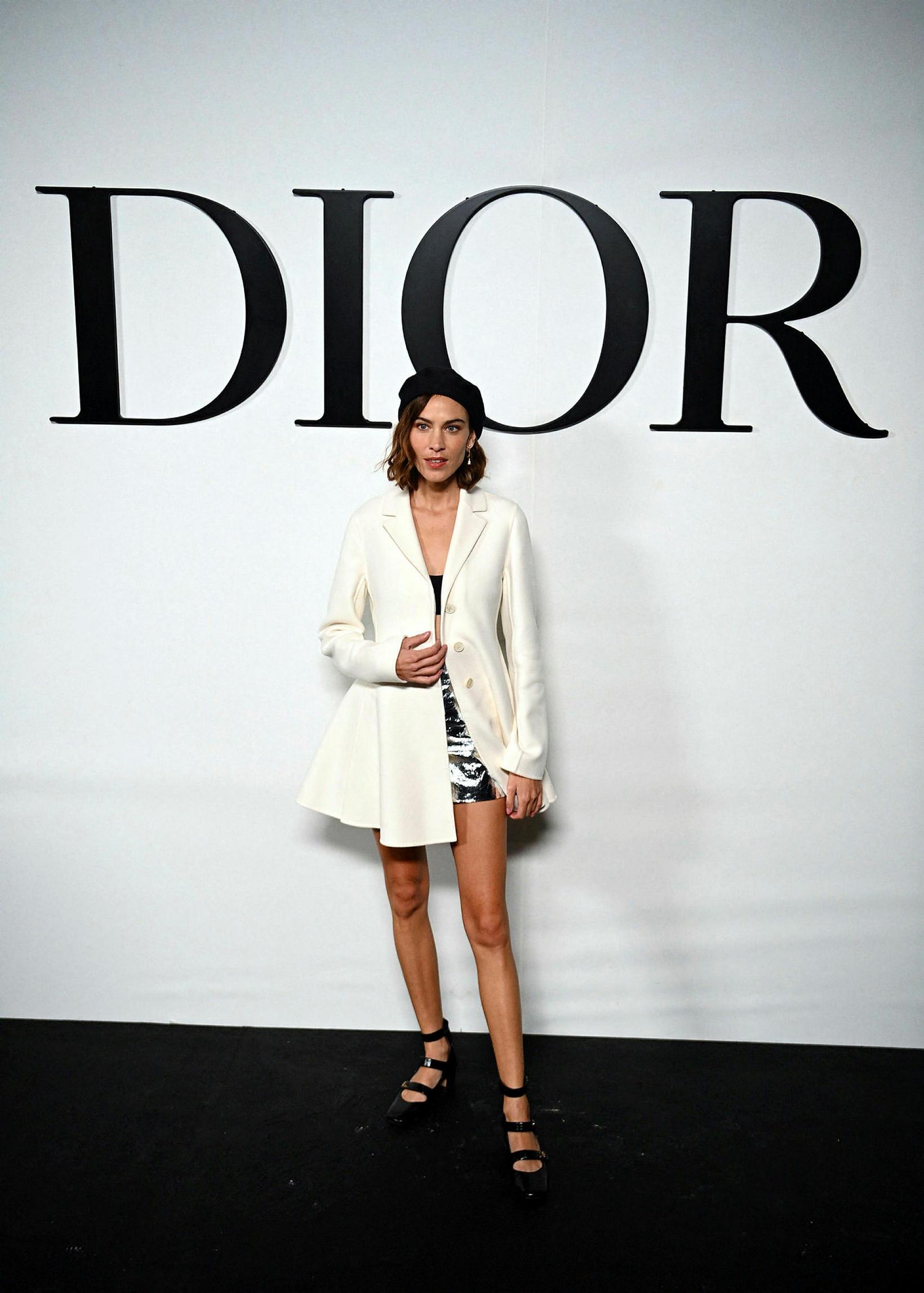 Breska fyrirsætan Alexa Chung á tískusýningu Dior í París.