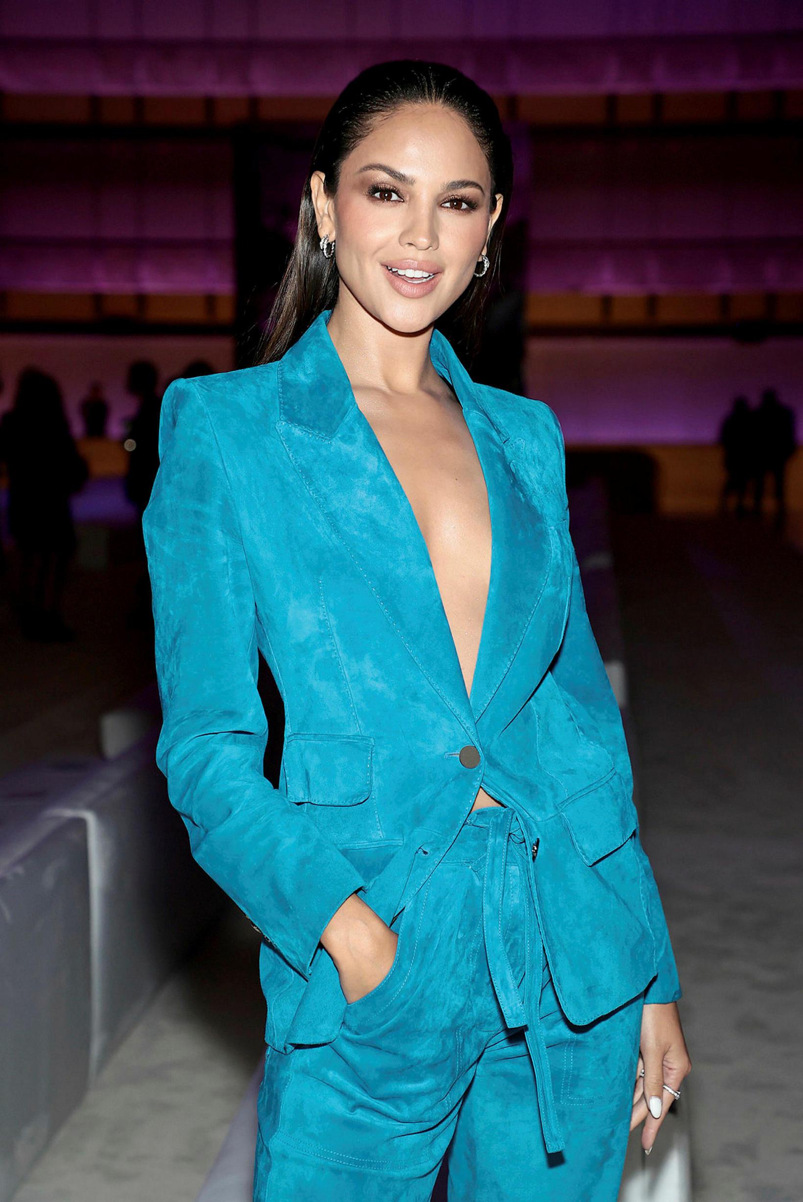 Leikkonan Eiza González á tískusýningu Tom Ford í New York.