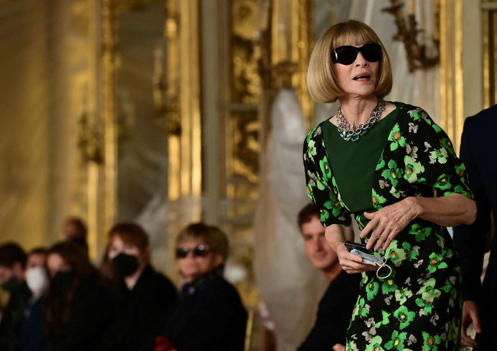 Anna Wintour ritstjóri Vogue á tískusýningu Roberto Cavalli í Mílanó.