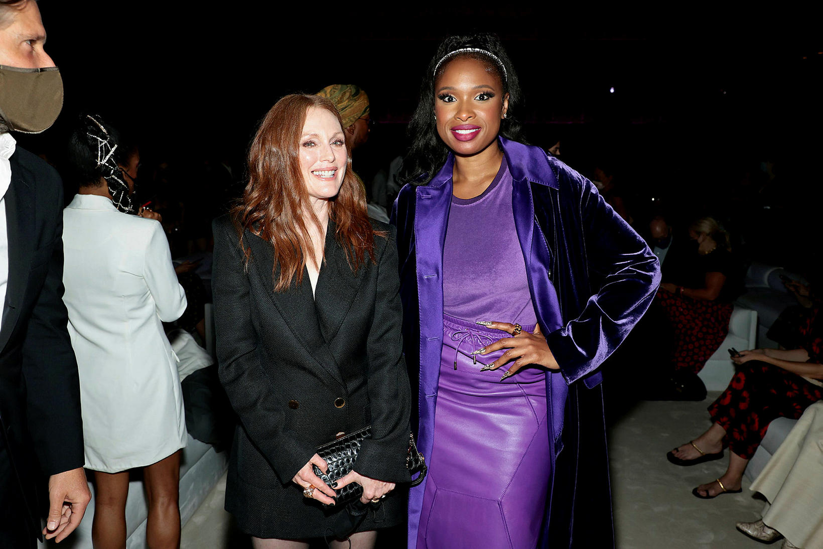 Leikkonurnar Julianne Moore og Jennifer Hudson á tískusýningu Tom Ford …