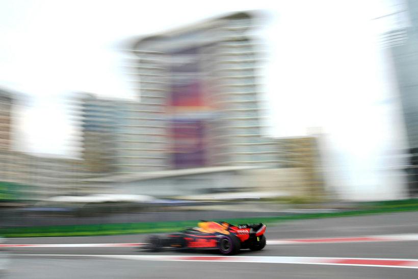 Daniel Ricciardo á Red Bull á fleygiferð í Bakú í ...