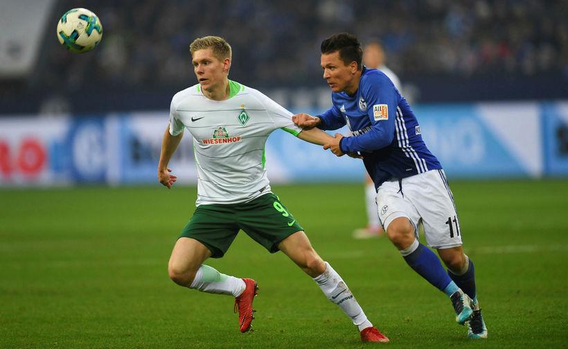 Aron Jóhannsson í leik með Bremen gegn Schalke.