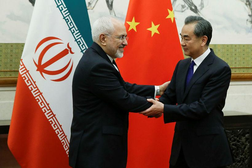 Utanríkisráðherra Kína, Wang Yi, tekur á móti Mohammad Javad Zarif, ...