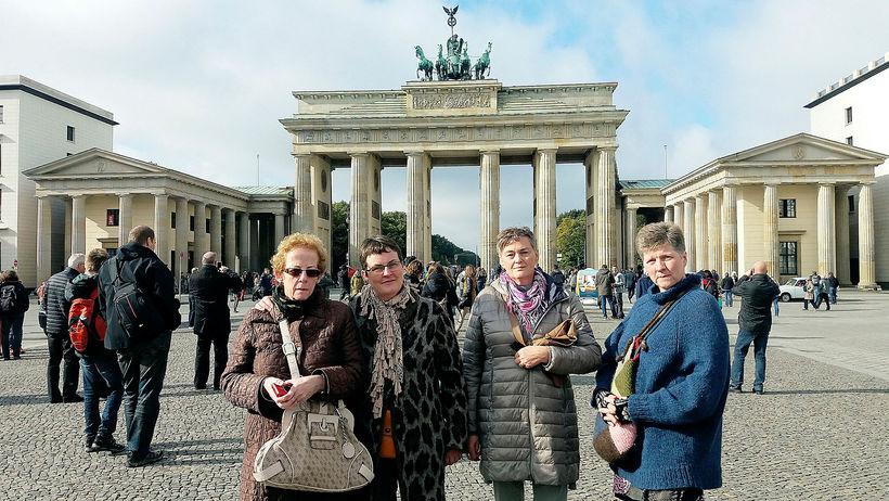 Frá orlofsferð í Berlín 2016 Frá vinstri: Bergþóra Eysteinsdóttir, Inga ...