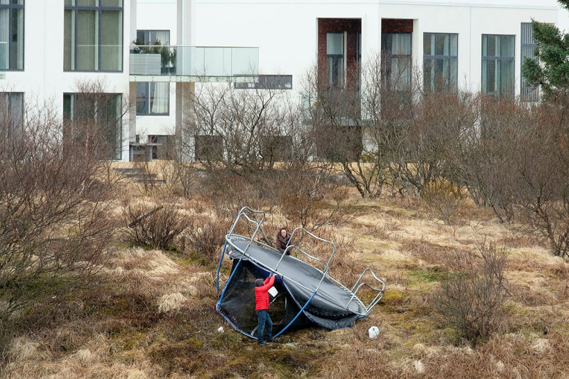 Lögregla minnir íbúa á höfuðborgarsvæðinu á að festa trampólín í ...