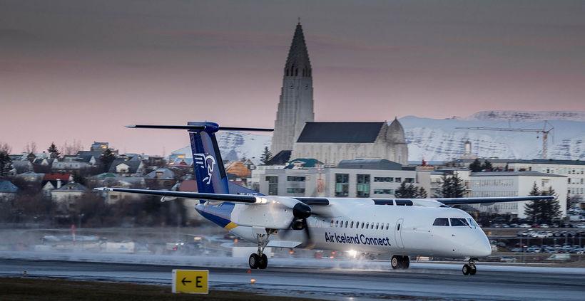 Vél Air Iceland Connect lendir í Reykjavík. Mynd úr safni.