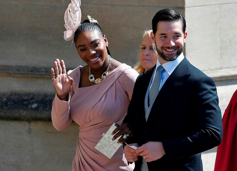 Serena Williams og eiginmaður hennar Alexis Ohanian mættu í brúðkaup …