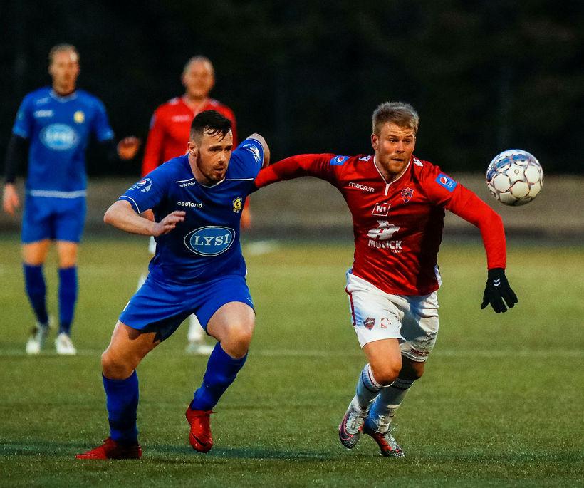 Sam Hewson og Einar Karl Ingvarsson í úrslitaleik Vals og ...