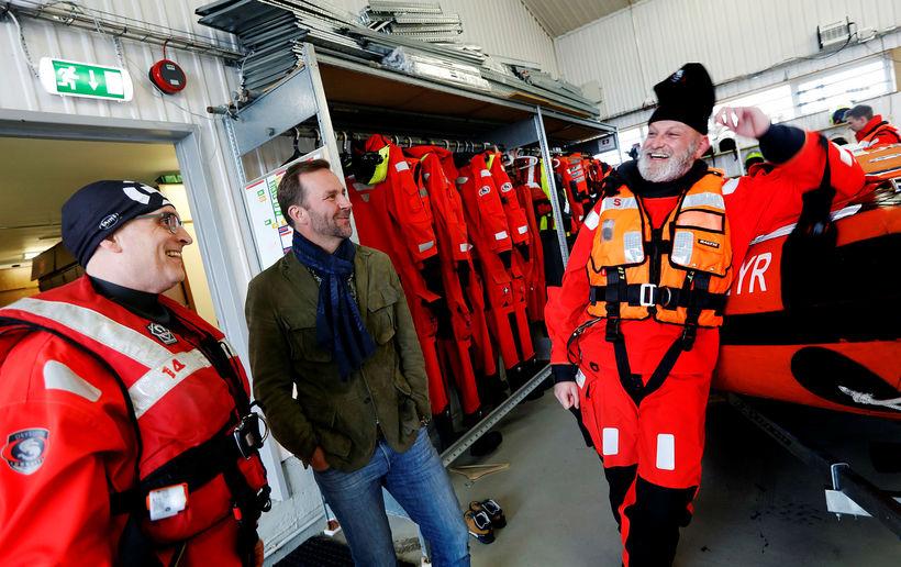 Skúli Mogensen with members of Landsbjörg SAR team who WOW ...