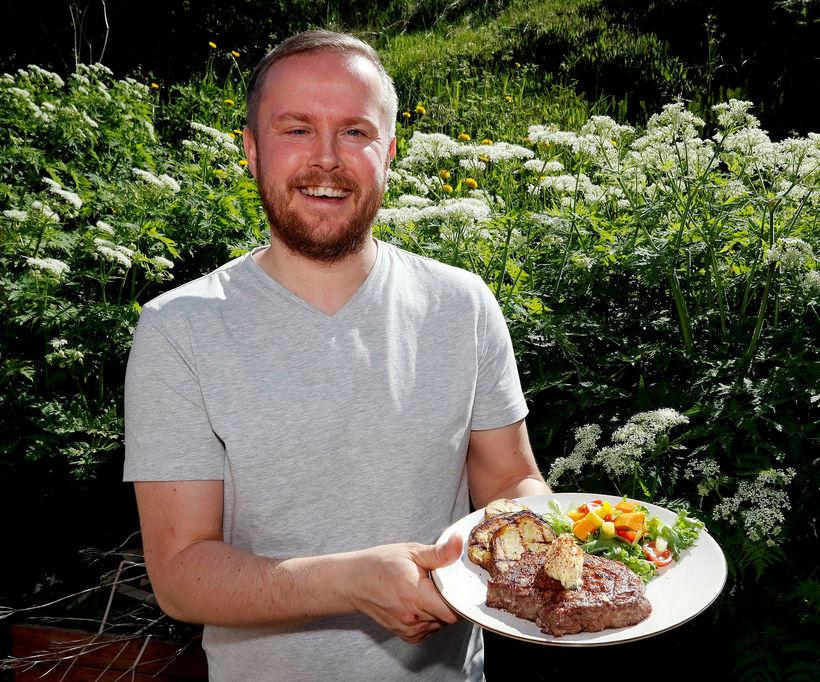 Sveinn Sævar Frímannsson er mikill grillmeistari.
