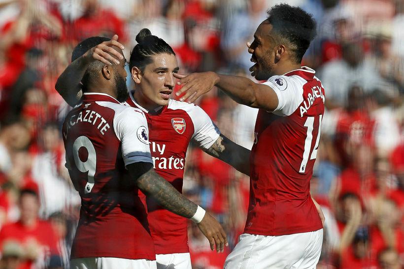 Tímabilið á Englandi byrjar með látum þegar Arsenal fær Manchester ...