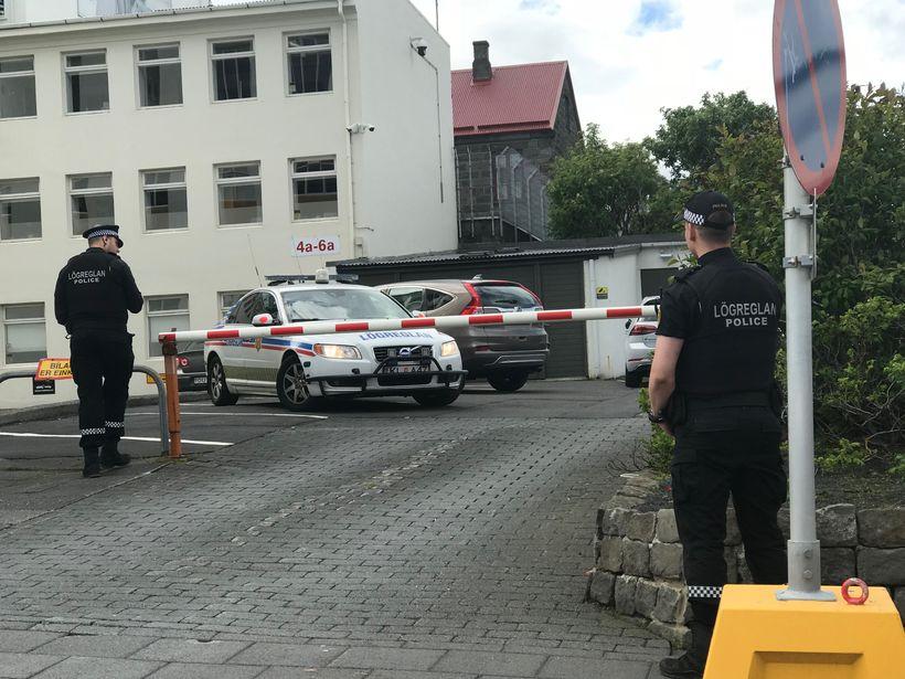 Viðbúnaður var við Stjórnarráðið vegna atviksins.