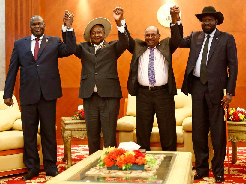 Frá vinstri: Riek Machar, Yoweri Museveni forseti Úganda, Omar al-Bashir ...