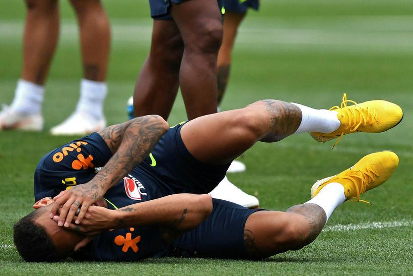 Neymar hefur verð gagnrýndur fyrir leikaraskap.
