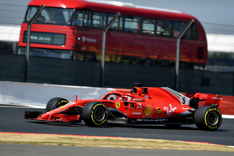 Sebastian Vettel er fljótari í förum á Ferrarifáknum en enskum ...