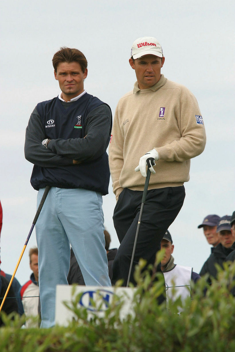 Írinn Padraig Harrington á Hvaleyrinni árið 2002 ásamt hinum snjalla ...