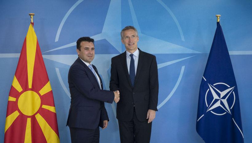 Jens Stoltenberg, framkvæmdastjóri NATO, og Zoran Zaev funduðu í júní.