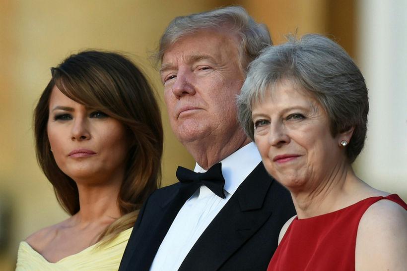 Melania og Donald Trump, forsetahjón Bandaríkjanna, ásamt Theresu May, forsætisráðherra ...
