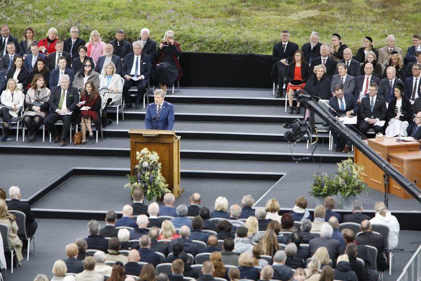 Frá hátíðarfundinum á Þingvöllum.