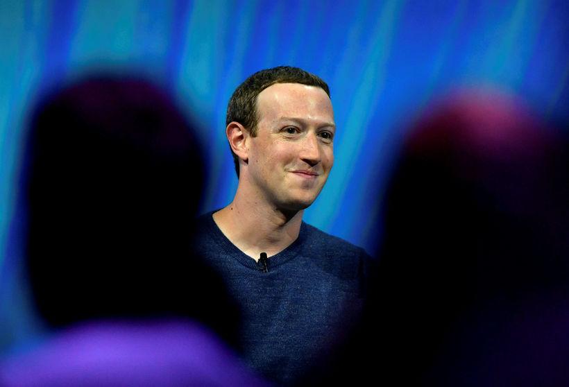 Zuckerberg er sakaður um að hafa tekið upp hanskann fyrir ...