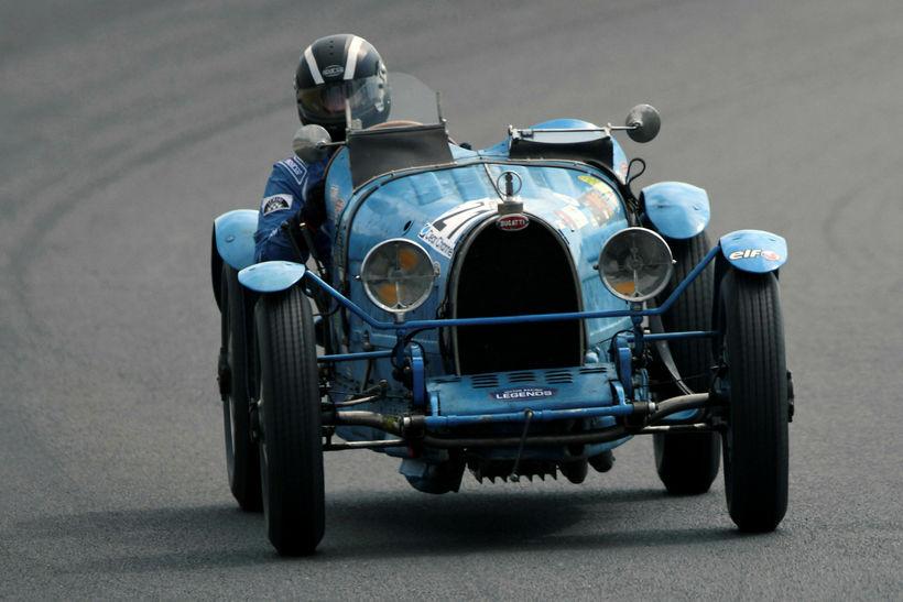 Bretinn Robert Spencer á ferð í Le Mans á Bugatti ...