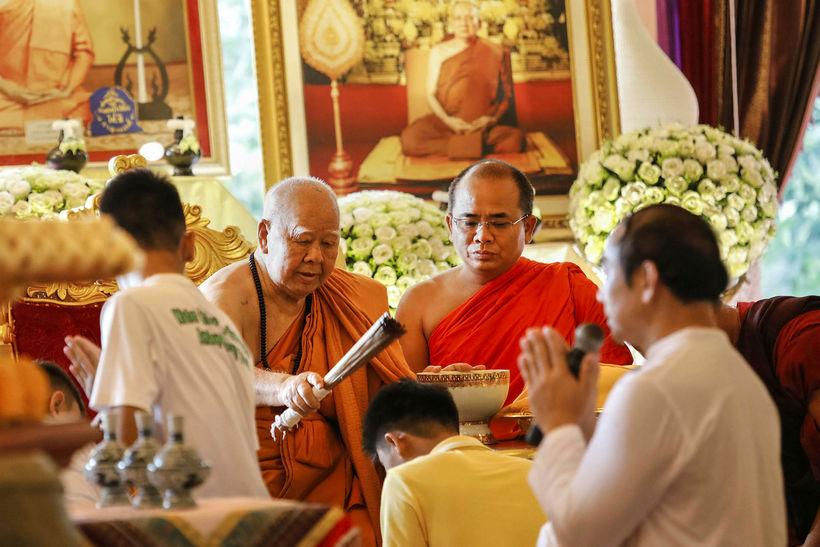 Drengirnir hlutu blessun í klaustrinu Phra That Doi Wao fyrr ...