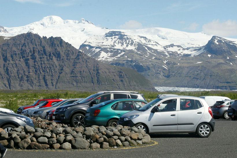 Bæjarstjórn segir að vegakerfið sé ekki hannað fyrir jafn mikla ...