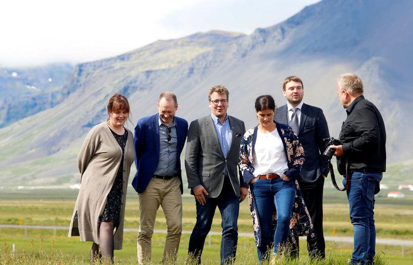 Stuðningur við ríkisstjórnina mælist 49,7 prósent en samanlagt fylgi ríkisstjórnarflokkanna ...
