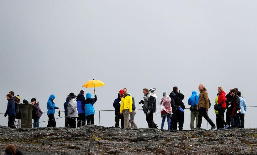 Ferðamenn á Þingvöllum.
