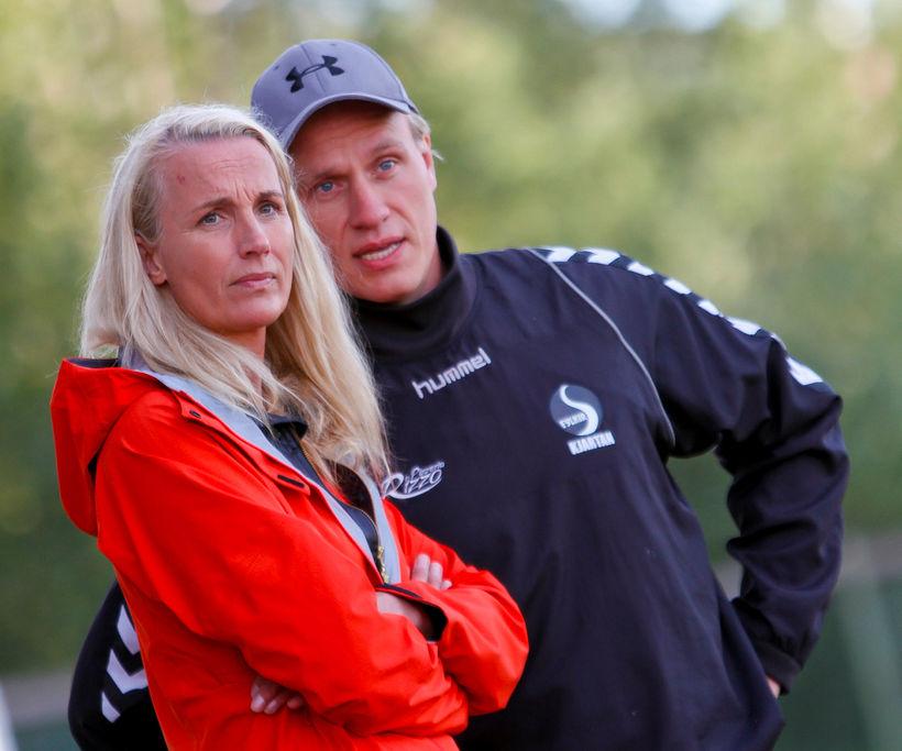 Ragna Lóa Stefánsdóttir og Kjartan Stefánsson fara yfir málin.