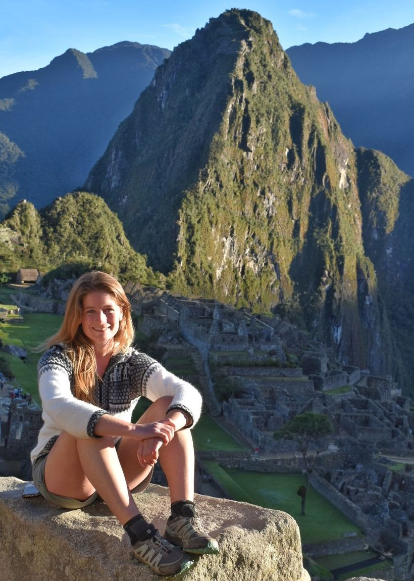 Við hina fornu borg í Macchu Picchu-fjöllunum í Perú.