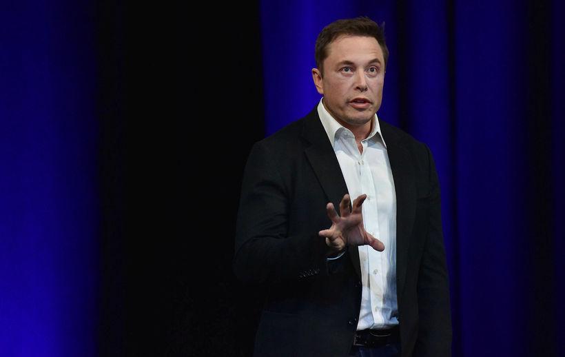 Elon Musk er ekki sérstaklega fær í almannatengslum.