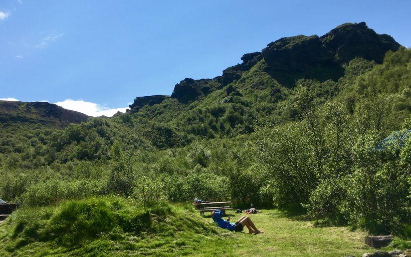 Í sólbaði í Þórsmörk.