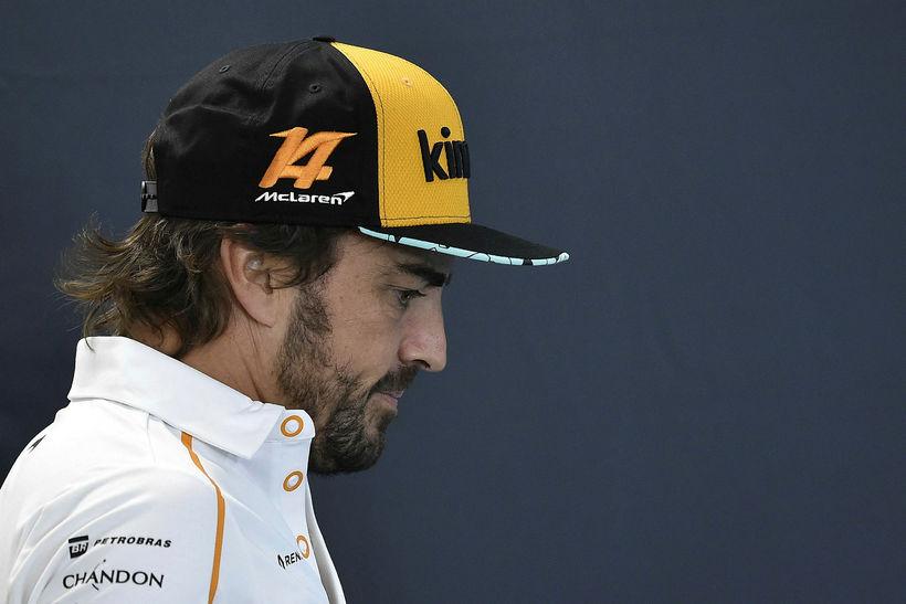 Fernando Alonso í þungum þönkum í Spa-Francorchamps.