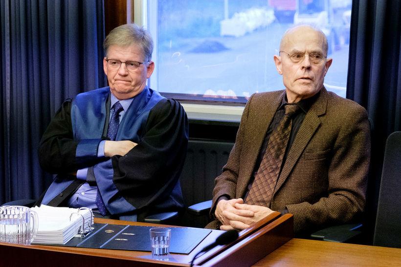 Ólafur Björnsson verjandi og Valur Lýðsson, þegar málið var tekið ...