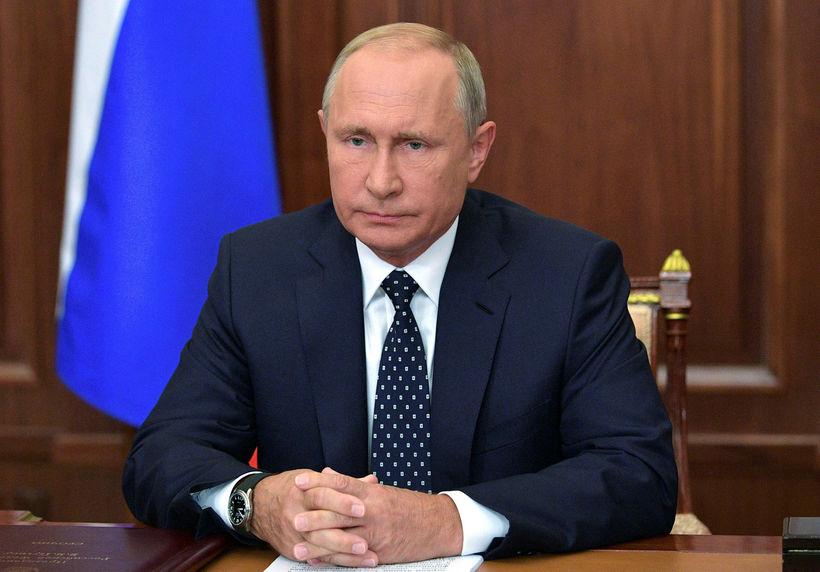 Vladimir Pútín í sjónvarpsávarpinu.