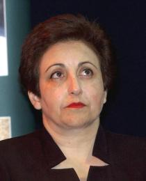 Shirin Ebadi, friðarverðlaunahafi Nóbels árið 2003.
