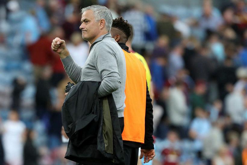 Jose Mourinho fagnar í dag.