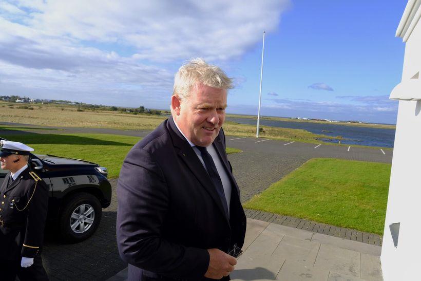 Sigurður Ingi Jóhannsson mætir til Bessastaða í dag á ríkisráðsfund.