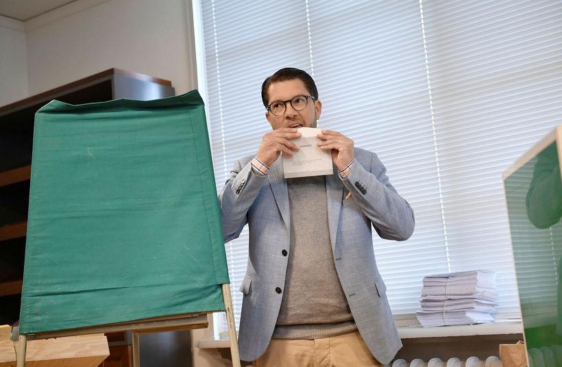 Jimmie Åkesson, leiðtogi Svíþjóðardemókrata, á kjörstað í Stokkhólmi