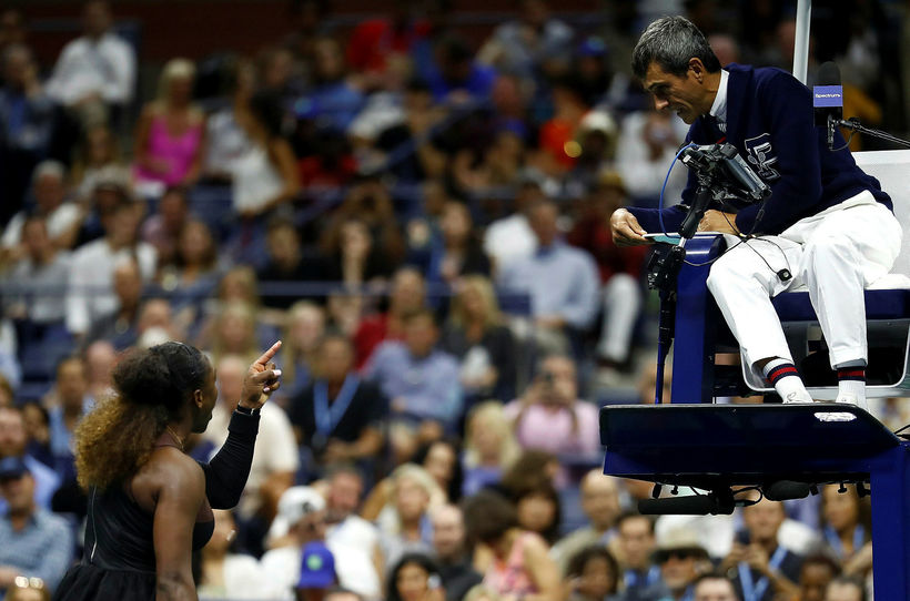 Serena Williams lætur dómarann Carlos Ramos heyra það eftir tapið ...