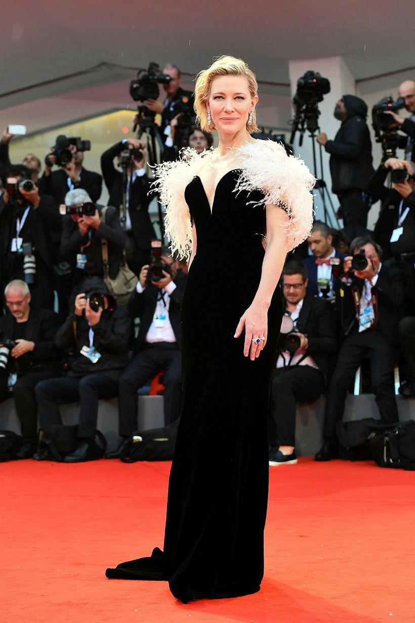Cate Blanchett í Giorgio Armani Privé.