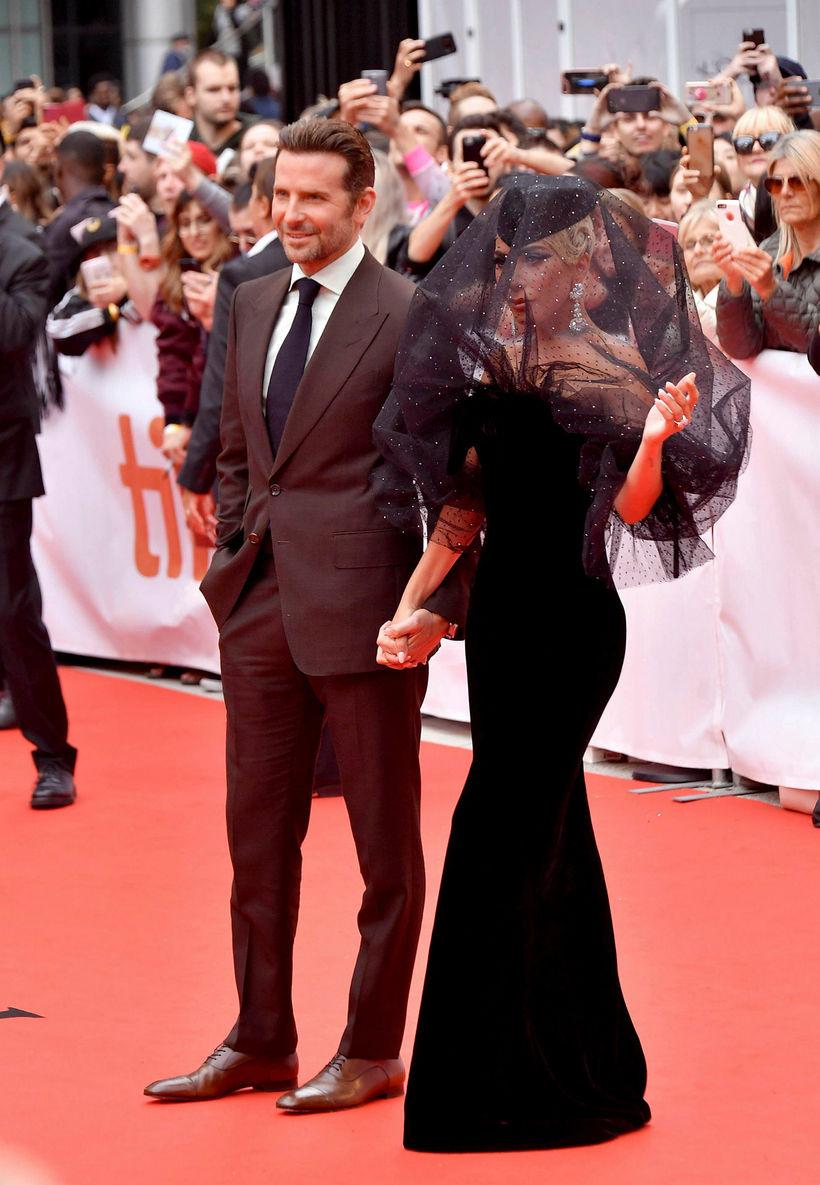 Lady Gaga ásamt meðleikara sínum Bradley Cooper.
