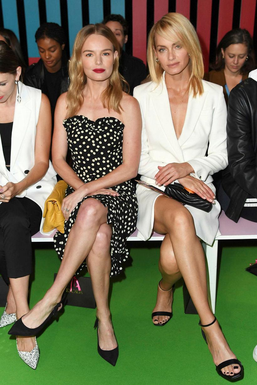 Kate Bosworth og Amber Valletta berleggja á tískusýningu Escada.