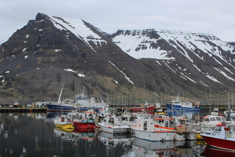 Margir línubátar eru gerðir út frá Bolungarvík.